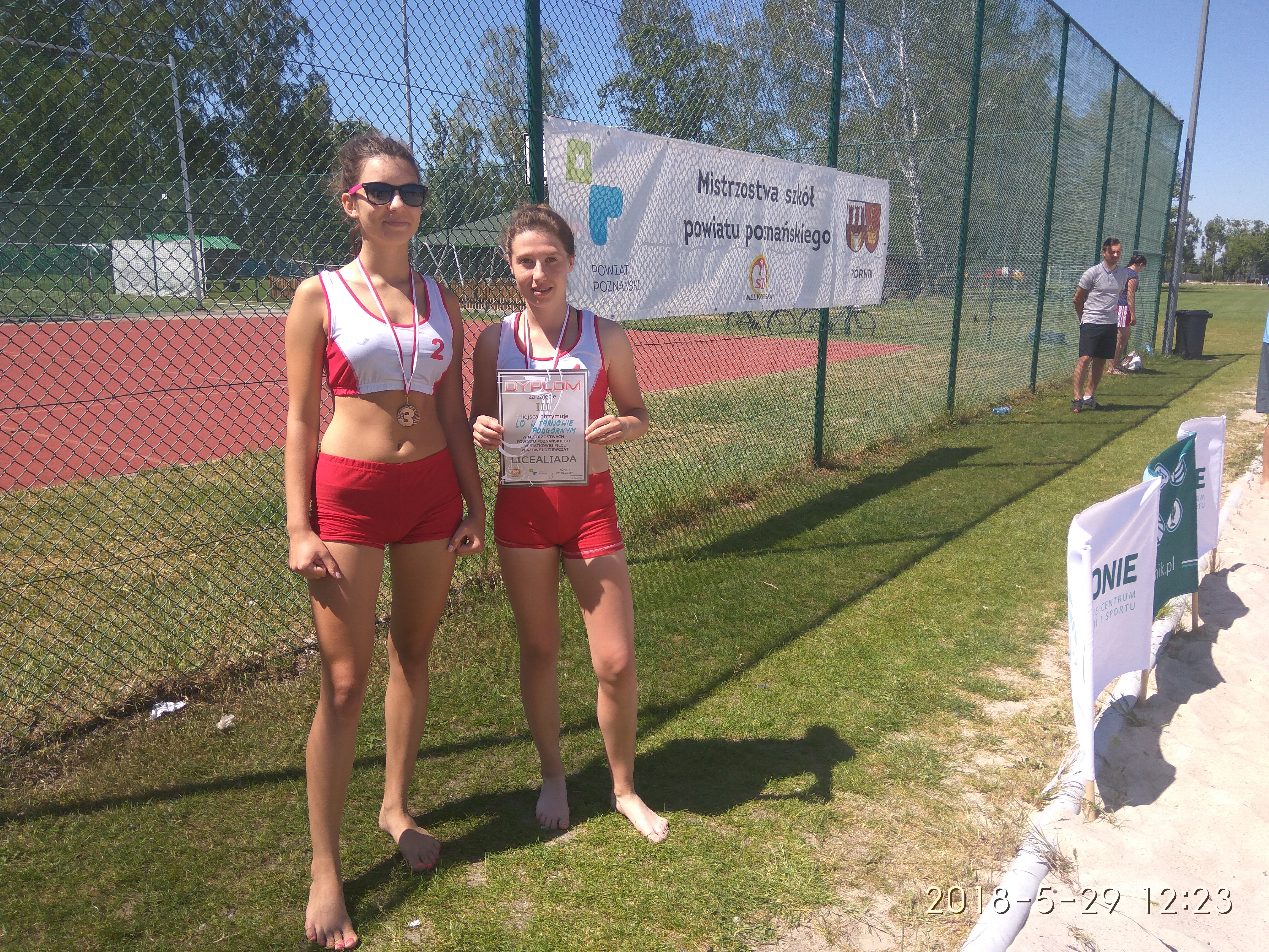 Siatkarki plażowe z brązowym medalem Mistrzostw Powiatu